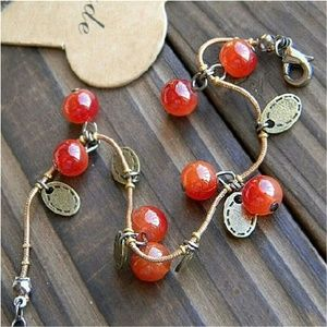 🆕Sweet little cherry bracelet!